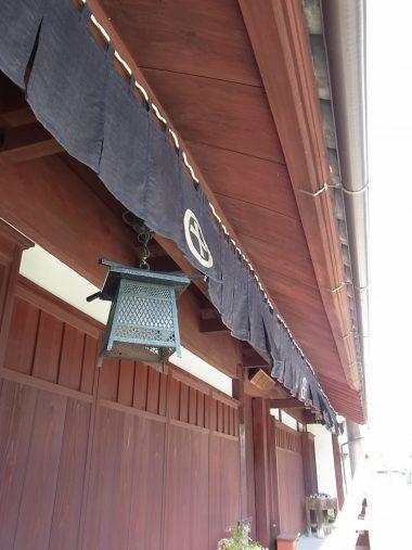 160315丹波篠山の板軒のある町家