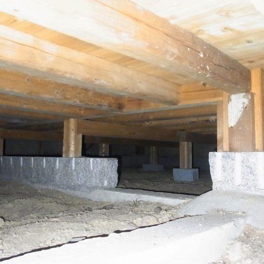 玉石基礎 伝統構法の家