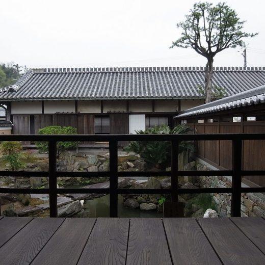 和歌山県 重文中筋家住宅 主屋から見る長屋門2