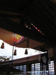 040206長崎鎮西大社諏訪神社神輿蔵とステンドグラス