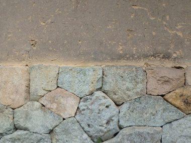 山東町の古民家 石積みと土壁