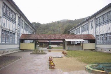 020322西脇小学校の中庭 兵庫県景観形成重要建築物 3条適用第一号