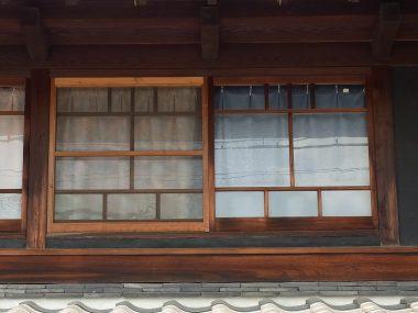 奈良の町家 おたふく窓