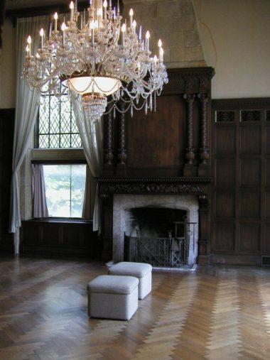 住吉山手 旧乾邸 渡辺節 暖炉とヘンリボーンのパーケットフロア