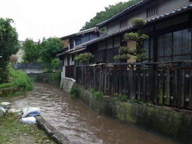 170801桜井寺川沿いの町並み 歴史的建造物