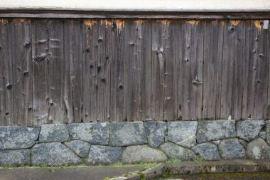 醍醐の町並みと飛鳥石の石積み