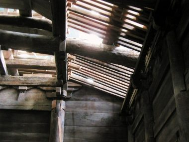 040918法華山一乗寺修理現場 桔木の様子