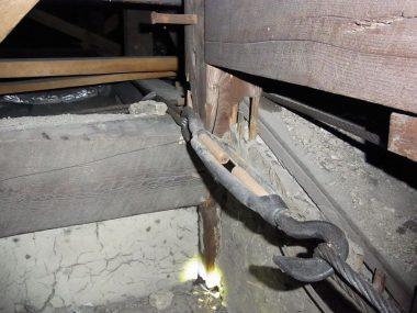 170128震災後の小屋裏補強 伝統和風 ワイヤー