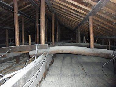 180606下宿屋の小屋裏