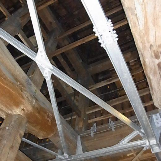 100909木造の耐震補強(東本願寺)