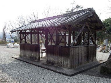 200326北摂の墓堂は無駄のない清堂2