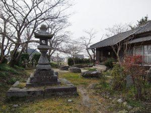 200309本薬師寺の礎石群